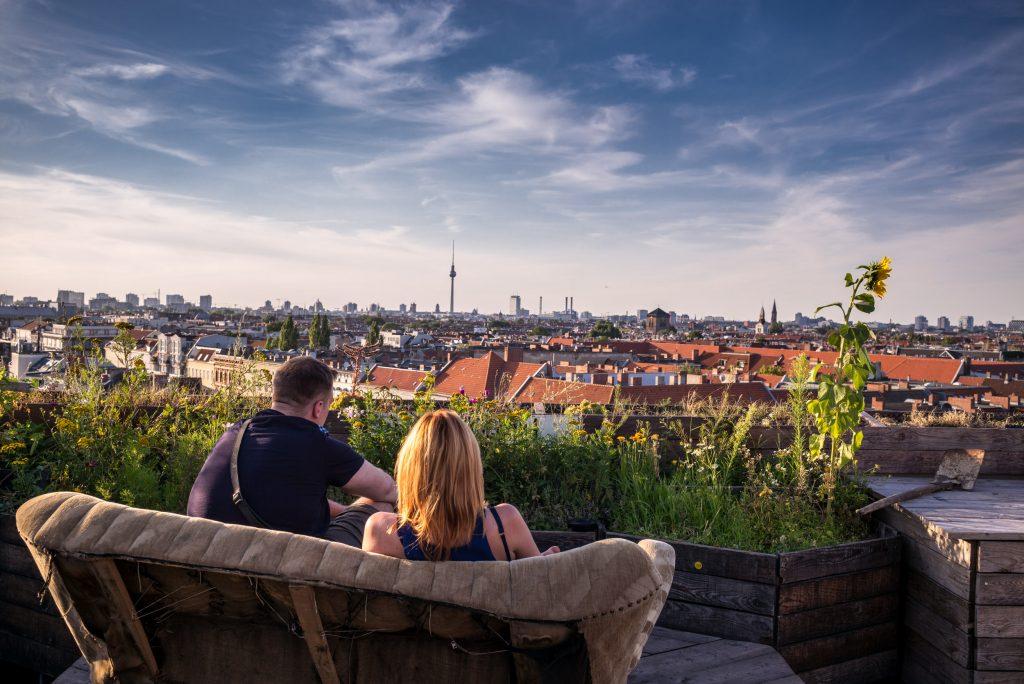 """Blick vom """"Klunkerkranich"""" in Neukölln über die Stadt"""