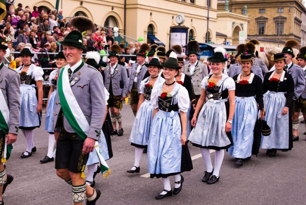 Trachtenverein Grainbach beim 181. Trachten- und Schützenzug 2014 in München